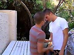 Dei gay dei giovani atleti Così come i due degli i nostri due uomini pieni di vapore stava per leggi