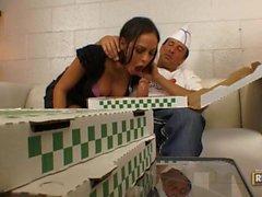 Angelina Valentine Agarra almoço