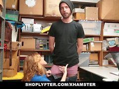 Shoplyfter - Hot MILF domina il giovane ladro per rubare