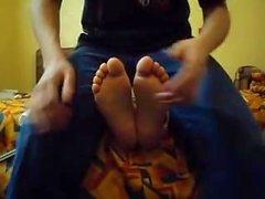 Испанское студент уни имеет ногами пощекотал .