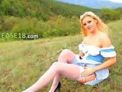 Blonde babe finger outdoor in forest