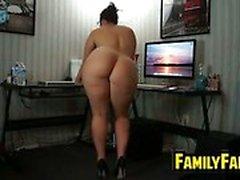 La suegra obtiene desnuda