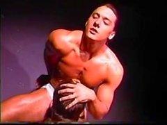 Joey Stefano saugt langhaarigen Steve Ryder zum Abschluss