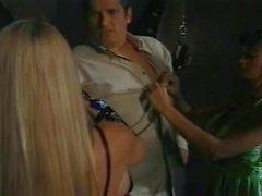 Skye Blu e Summer Cummings Bustin in di Las Vegas