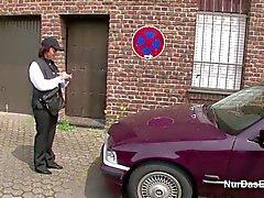 Almanya Rahibe sonra Caddesi üzerinde baştan çıkarmak Sert porno becerdin almak