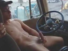 Trucker twink masturbandosi