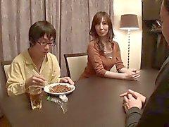Мамочка вещественных Образования Sawamura Рэйко