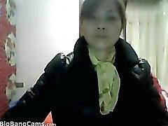 Cinesi Grandma Strips toglie i vestiti