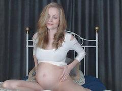 hamile ve şişmiş göğüsler