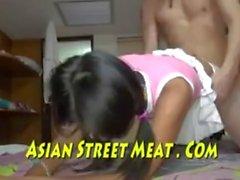 Adolescente asiatico