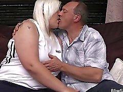 Cheinhas e Bonitas suga e Passeio a carnes batota marido