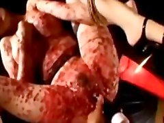 Braccia asiatiche dai grossi legato al Piedi figa scopata con vibratore Sebbene torturata Per Hotwax Dal Maestro Nel The Basement