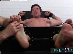Sexe gai avec garçon faux Trenton Ducati Bound & Tickle d