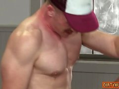 ours Muscle trio et anal Ejaculation