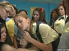 Schoolmeisje Rides Totdat Hij Cums