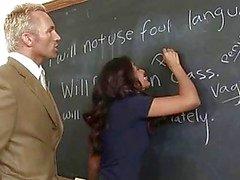 Schoolmeisje harde genageld