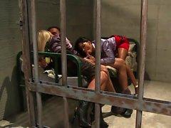 Jessica Moore tem sido através do sistema de prisão de um ou ...