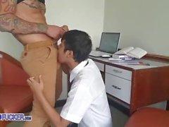 Bangkok die wilde Stadt - niedlicher thailändischer Junge missbraucht vom perversen Lehrer
