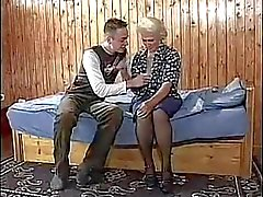 Pechugona melenuda Granny En joven de de BVR