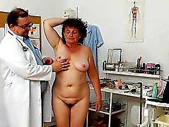 Итальянского мать и пупсика ударился жесткий