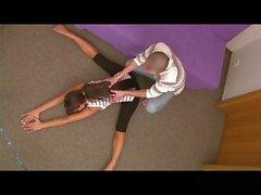 Flexible Girl se la follan