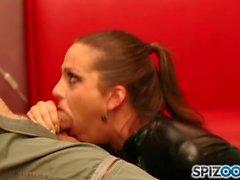Spizoo - Abigail Mac suger och knullar en stor kuk i olika positioner