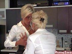 Пума Swede & Бобби есть лесбиянок бюро Slut !