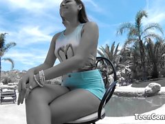 TEENGONZO Zoey Foxx Ados baisée en plein air dur dans toutes les poses