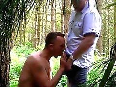 julkisen puiston pair jyskyttävä porno