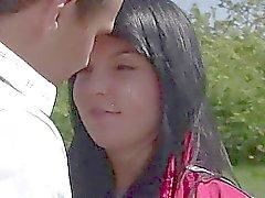 Teini teini Nikki naimassa sekä jizzed ulos