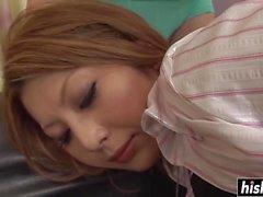 Dildo e vibratore che sporgono con Eriko Asai