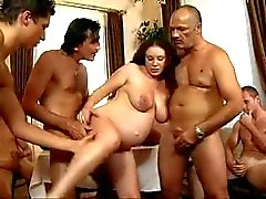 Daddy Friends Gangbang su hija embarazado