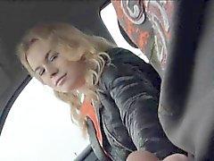 Menina de Ruiva adolescentes Aficionado Nishe batia no assento traseiro