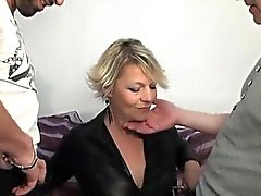 Зрелая Софья анал трахались передо своего мужа
