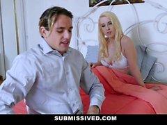 Sottomessa - Cute Blonde Teen ottiene la realizzazione di una fantasia