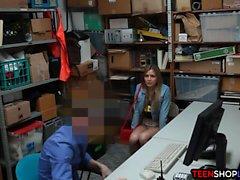 Teen Amateur gefangen stehlen und gefickt von Sicherheit