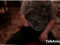 любительские littlestudent4u мигающие сиськи на живой веб-камере
