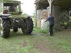 Gemurmel und Vater Ficken auf in den Ferien auf dem Bauernhof