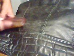 sperme sur le cuir vintage veste de motard