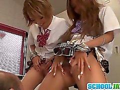 Teenie Rena Firma Konishi Und eMail weiter Mannschaft oben An Einem Guy Der Schule