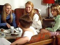 Las colegialas se confiesan once (1976 )