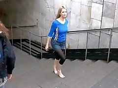 a piedi nudi Giulia