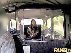 FakeTaxi - Her decisión es salir y pasear