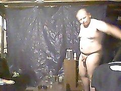 поймали папа голый в моем номере