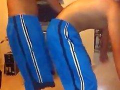 Les HOMMES HETERO dansant perreo