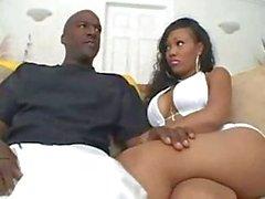 Ebony fode com pinto grande bazooms