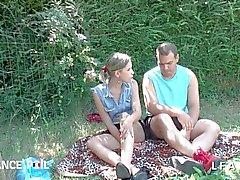 Jeunessa et Jolien vaalea sellaisenaan tapahtuneena tosiasiana doigter FI pleine luonne