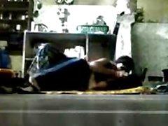 BANGLADAIS - bhabhi avec Elle devor Kitchen de plancher