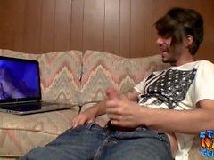İnternet porno izlerken Sıska düz cani otuzbir