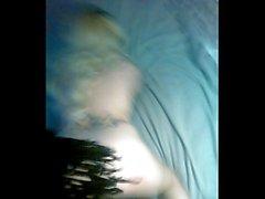 Vaalea sotilaallisen Wife huijata musta kukko